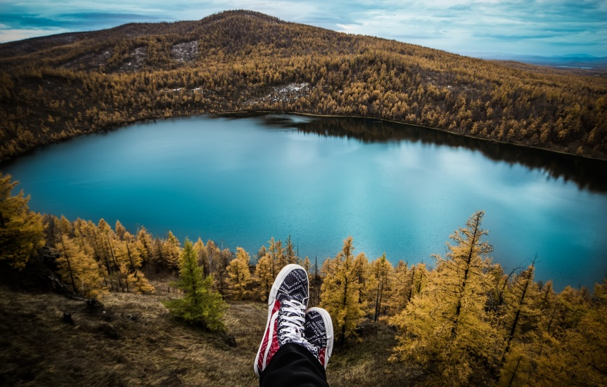 """Guest Post on """"The Traveling Traveler"""" Blog: Achieving Financial Independence through TravelTherapy"""