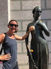 Juliet statue- good luck to rub the right breast!