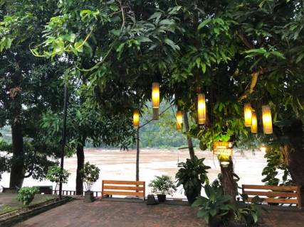 Lovely Riverfront Cafes