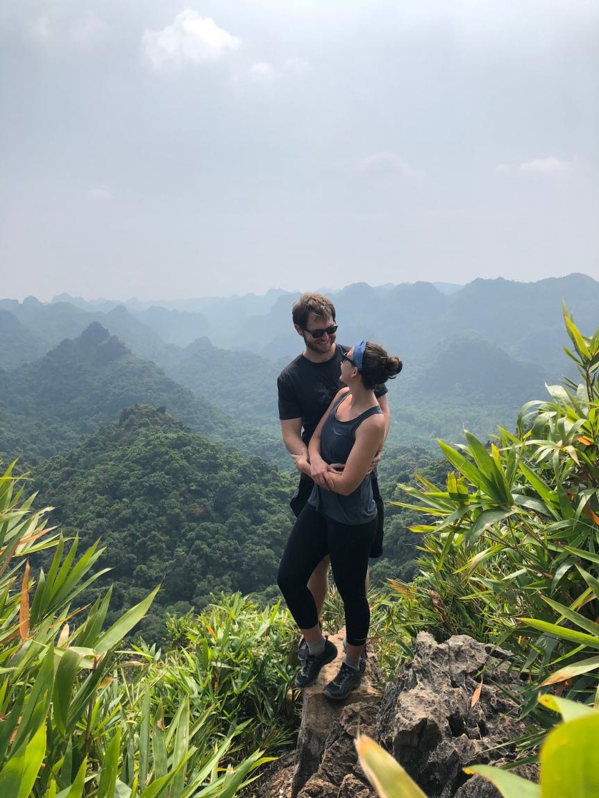 Around the World Trip: Hanoi and Ha Long Bay,Vietnam